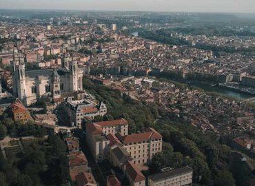 lyon-capitale-actualites-presse-monsieur-recording-video-drone-confinement-covid