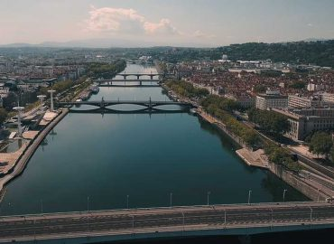 lyon-citycrunch-actualites-presse-monsieur-recording-video-drone-confinement-covid